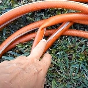 save garden hose from kinking