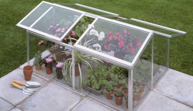 how to make small greenhouse