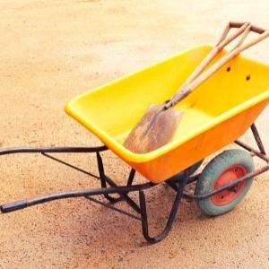 plastic wheelbarrows