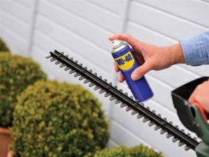 lubricant-hedge-trimmer